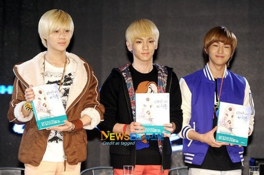 OnTaeKey 3 The Son of The Sun  fan signing 111213